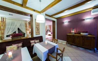 (Polski) Wnętrze restauracji